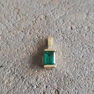 14k emerald diamond small pendant